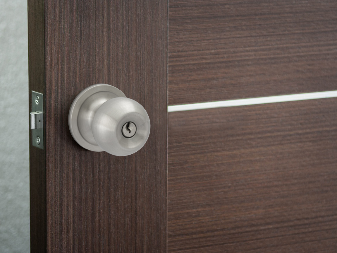 Pluto Keyed Door Knob - Installed